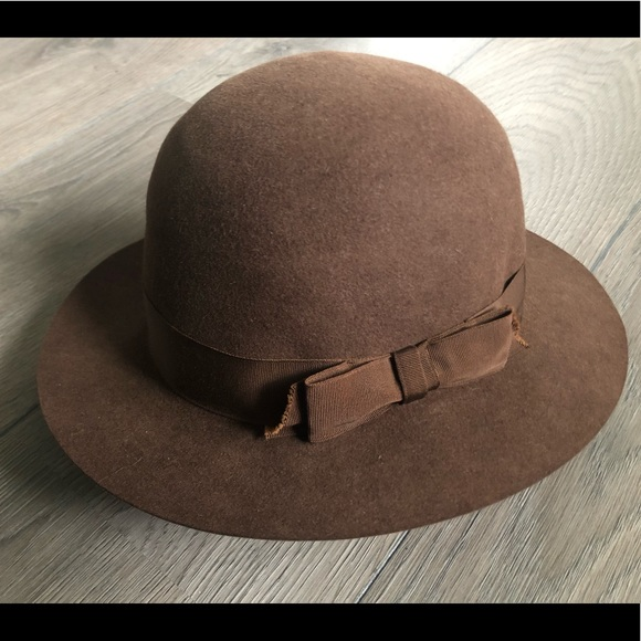 72925005a Chanel vintage felt hat with bow